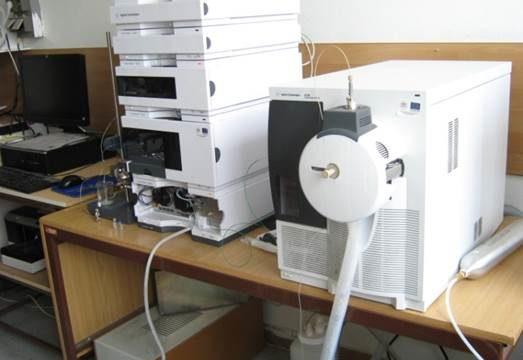 HPLC-MS analytická stĺpcová chromatografia
