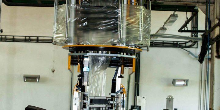 Linka na výrobu vyfukovaných trojvrstvých fólií A-B-A