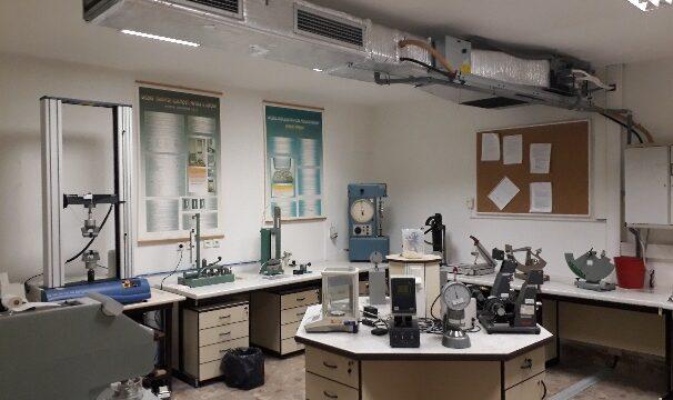 Klimatizovaná skúšobňa pre meranie fyzikálnych vlastností lignocelulózových materiálov
