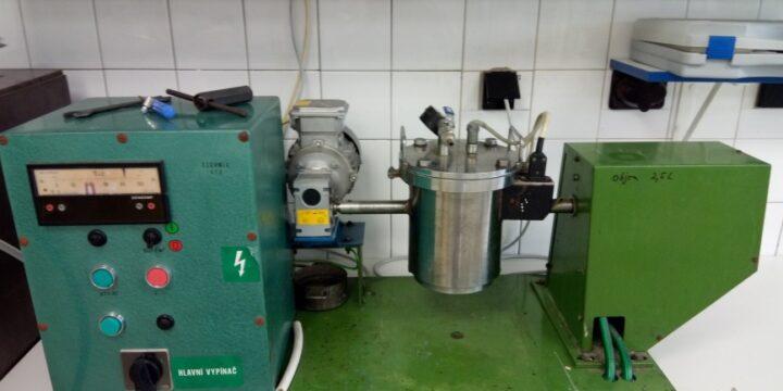 Reaktor na kyslíkovú delignifikáciu